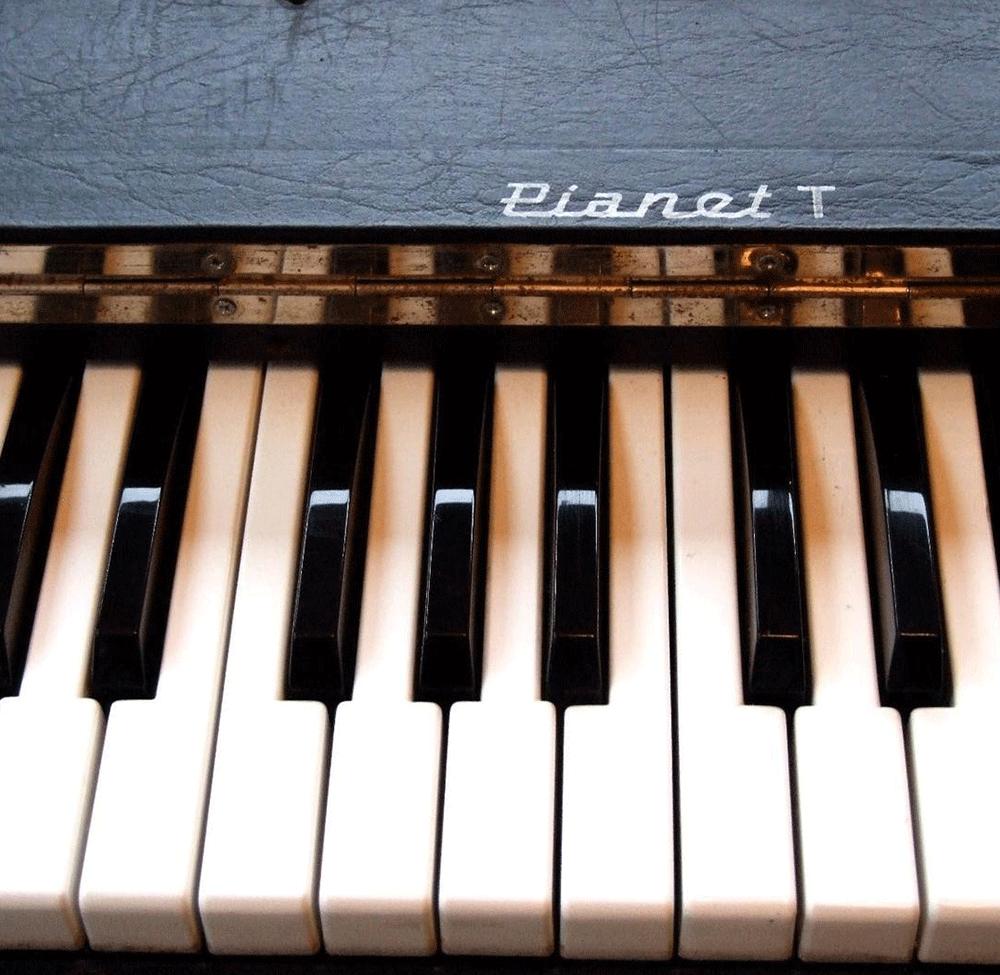 Pianet T